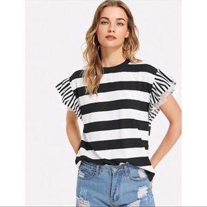 ✨ SALE! ✨ Black & White Striped Top